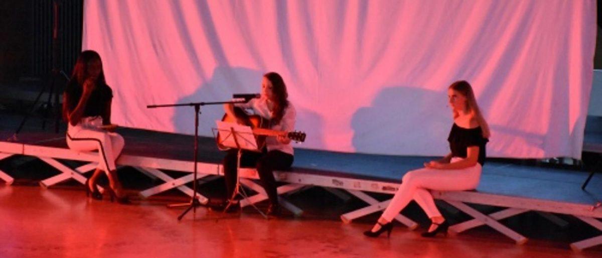 Permalink zu:Ausverkauftes Haus beim Kulturabend der Sekundarschule Jülich